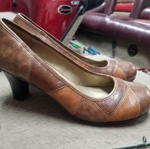Madden Girl brown heeled shoes 8.5 EUC